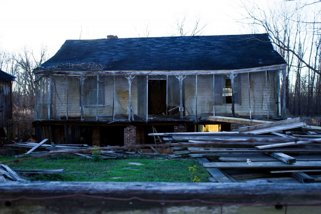 Stories in Ruins: Photo Essay of a Mississippi Ghost Town
